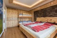 Zirbenholzschlafzimmer1