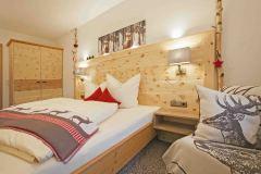 Zirbenschlafzimmer3